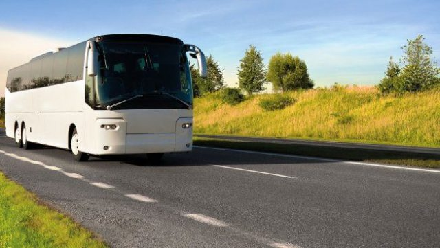Reisebus nach Dorf Tirol